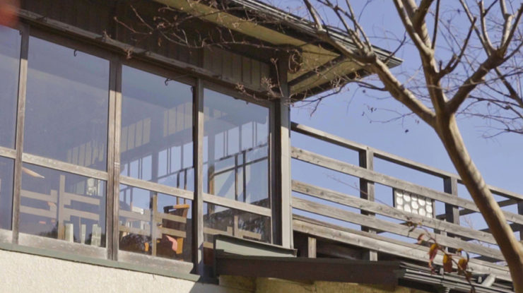 有名な観光スポットとは一味ちがう、ローカル鎌倉を感じるひっそりとした路地裏に建つ趣のある古民家