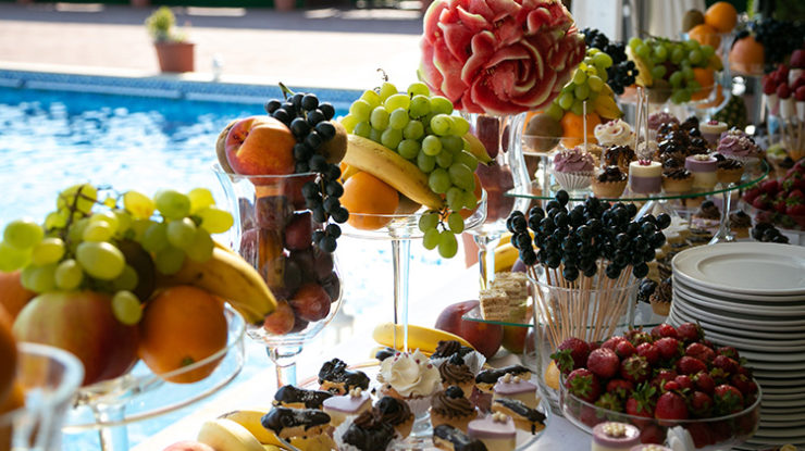 南国の果実をふんだんに使ってのフルーツブッフェでゲストを迎えるなど演出も自由(イメージ)