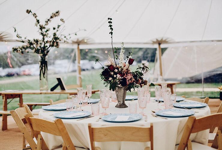テントウェディングなら密も避けながらおしゃれで開放的なパーティを楽しむことができます